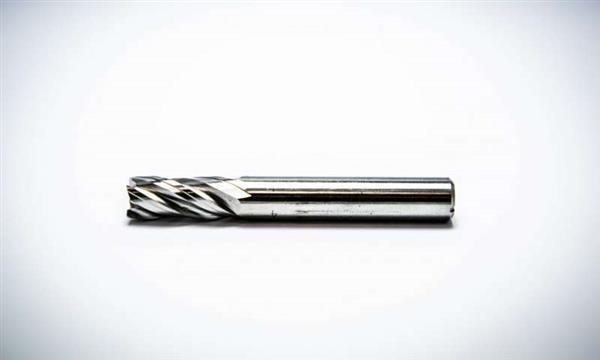 3D-Printat stålverktyg skär igenom titanium f3b8f61c9c61e